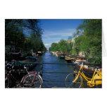 Europa, Holanda, Amsterdam, bicicleta amarilla y Felicitacion