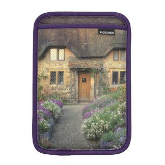 Europa, Inglaterra, Chippenham. Luz de la madrugad Fundas iPad Mini