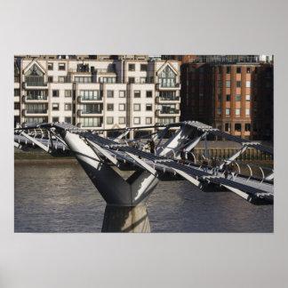 Europa, INGLATERRA, Londres: Vista del milenio Poster