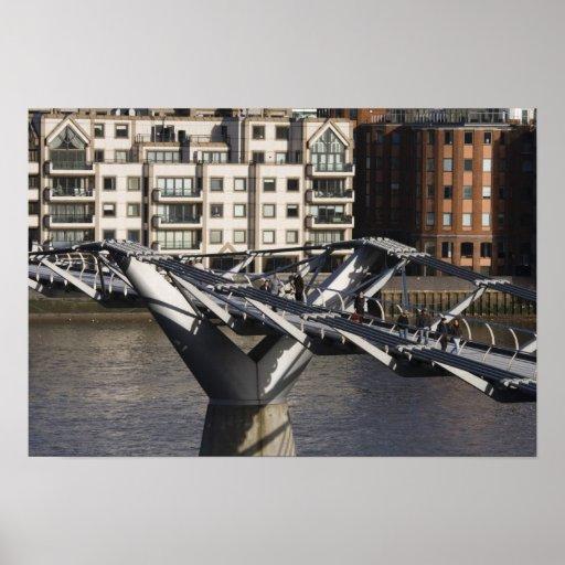 Europa, INGLATERRA, Londres: Vista del milenio Póster