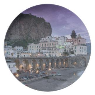 Europa, Italia, Campania (costa) de Amalfi Atrani: Platos Para Fiestas