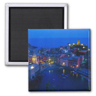 Europa, Italia, Cinque Terre, Vernazza. Ladera Imán Cuadrado