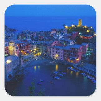 Europa, Italia, Cinque Terre, Vernazza. Ladera Pegatina Cuadrada