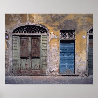 Europa Italia Lucca Estas puertas viejas añaden Posters