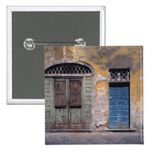 Europa, Italia, Lucca. Estas puertas viejas añaden Pin Cuadrado