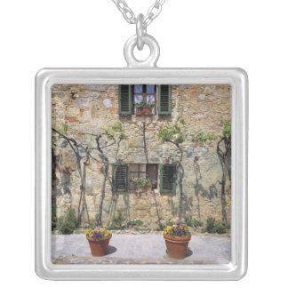 Europa, Italia, Monteriggioni. Una casa de piedra Colgante Cuadrado