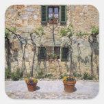 Europa, Italia, Monteriggioni. Una casa de piedra Pegatina Cuadrada