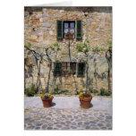 Europa, Italia, Monteriggioni. Una casa de piedra  Tarjetón
