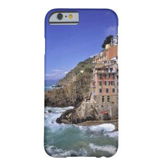 Europa, Italia, Riomaggiore. Se construye Funda De iPhone 6 Barely There