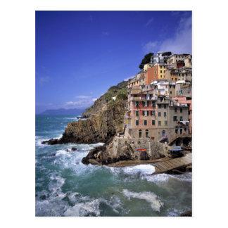 Europa, Italia, Riomaggiore. Se construye Postales