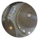 Europa, Italia, Roma. La basílica de San Pedro (ak Plato Para Fiesta