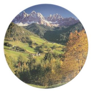 Europa, Italia, Santa Magdalena. El minúsculo Plato De Comida
