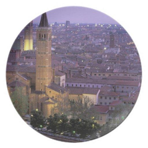 Europa, Italia, Véneto, Verona. Visión desde Caste Plato De Comida