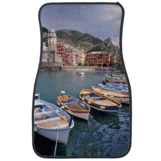 Europa, Italia, Vernazza. Barcos brillantemente Alfombrilla De Auto