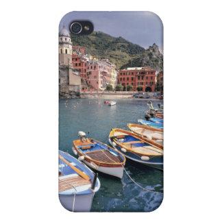 Europa, Italia, Vernazza. Barcos brillantemente pi iPhone 4/4S Carcasa