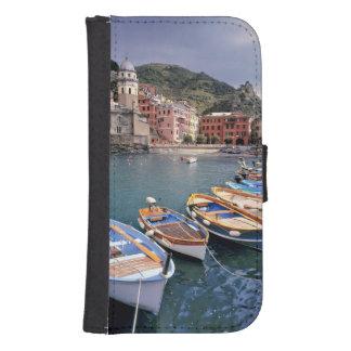 Europa, Italia, Vernazza. Barcos brillantemente pi Fundas Tipo Cartera Para Galaxy S4