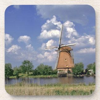 Europa, Países Bajos, Kinerdijk. Un molino de vien Posavasos De Bebidas