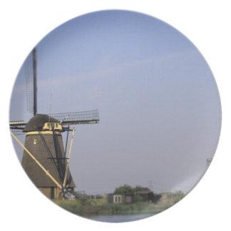 Europa, Países Bajos, Zuid Holanda, Kinderdijk. Plato Para Fiesta