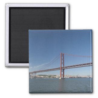Europa, Portugal, Lisboa aka Lisboa). Ponte Imán Cuadrado