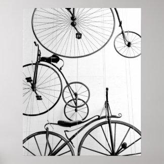 Europa, Suiza, Alfalfa. Exhibición de la bicicleta Póster