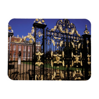 Europe, England, London. Gilded gate outside of 2 Magnet