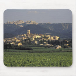 Europe, France, Provence, Vaucluse, SSablet, Mouse Pad