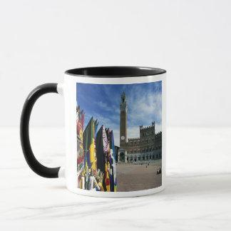 Europe, Italy, Tuscany, Siena. Piazza del Mug