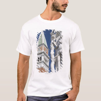 Eve in Garden of Eden Doges' Palace with T-Shirt