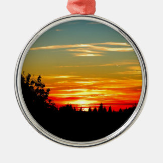 Evening-red Metal Ornament
