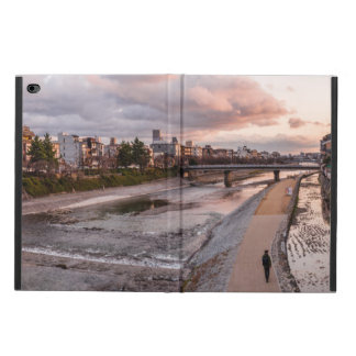 Evening walk along the Kamo River in Kyoto Powis iPad Air 2 Case
