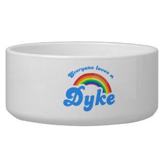 Everyone loves a ... dog food bowl