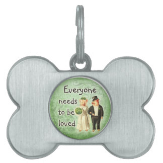 everyone needs love-- cute pig couple pet name tags