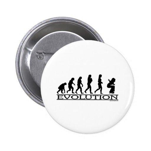 Evolución - andando en monopatín - hembra pin