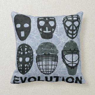 Evolución de la máscara del portero del hockey cojín decorativo