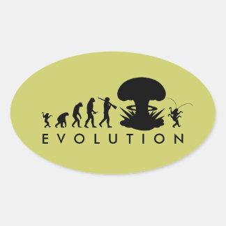 Evolución del hombre - subida de la cucaracha calcomanía de oval