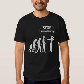 evolución - pare el seguir de mí camiseta poleras