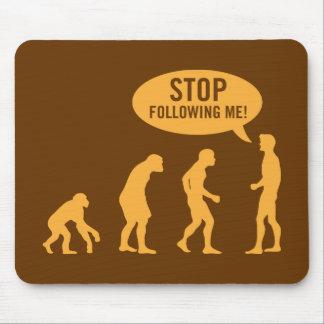¡evolución - pare el seguir de mí! mousepad