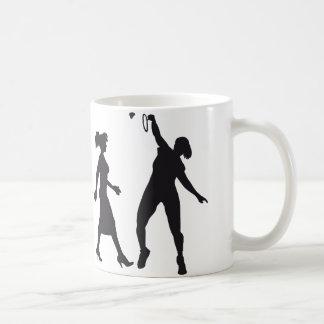 evolution female badminton player taza clásica