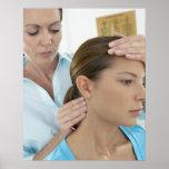 Examen de la quiropráctica del cuello. póster