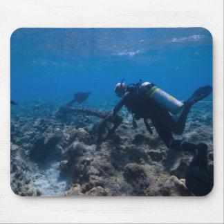Excavación del buceo con escafandra tapete de ratón