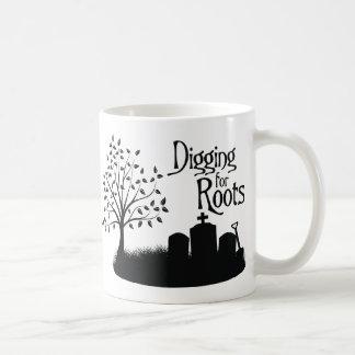 Excavación para las raíces taza de café