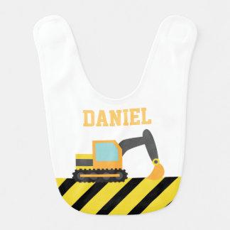 Excavador anaranjado, vehículo de la construcción, babero de bebé