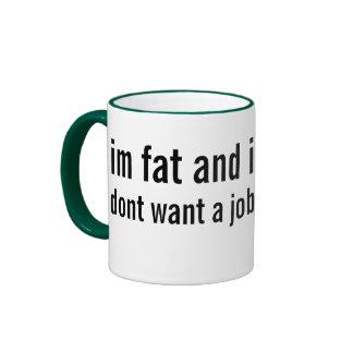 exceso de peso e infraempleados taza de dos colores