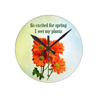 Excitado tan para la primavera I mojado mis planta Relojes