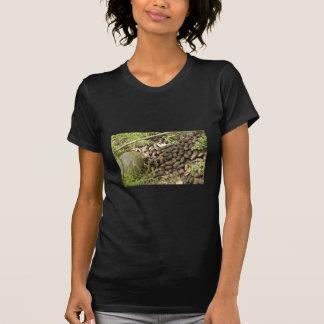 Excrementos de los alces camiseta