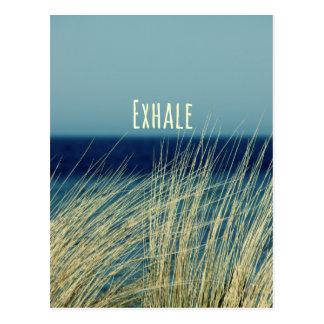 Exhale la escena del océano que calma tarjetas postales
