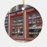 Exhibición belga de la cerveza en ventana de la ti ornatos