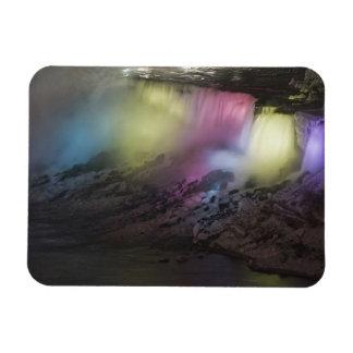 Exhibición coloreada giratoria de la luz en caídas imán