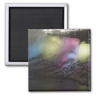 Exhibición coloreada giratoria de la luz en caídas imán cuadrado