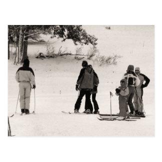 Expedición del esquí de la familia tarjetas postales